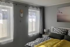 Schlafzimmer mit Einrichtung